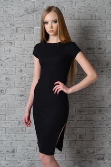 Трикотажное платье черного цвета FIORITA